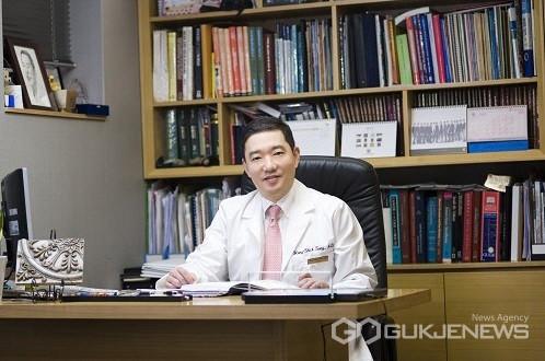 압구정드림성형외과 송홍식 원장