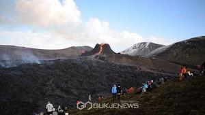 아이슬란드 화산, 새로운 균열에서 용암이 흐릅니다.